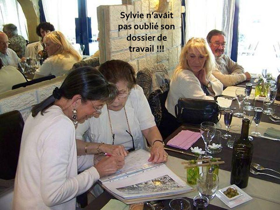 Sylvie navait pas oublié son dossier de travail !!!