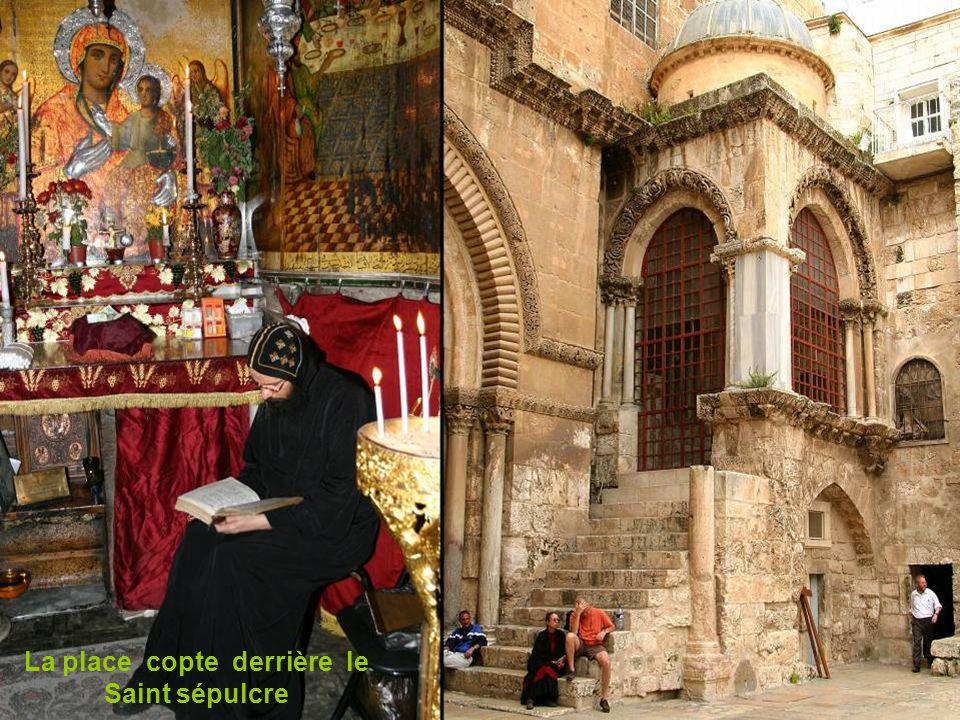 La place copte derrière le Saint sépulcre