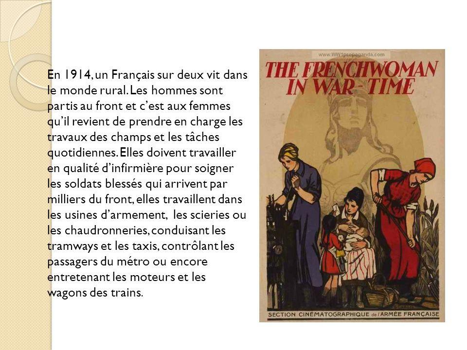 À larrière, les femmes deviennent infirmières bénévoles et soignent les blessés français, puis les blessés allemands.