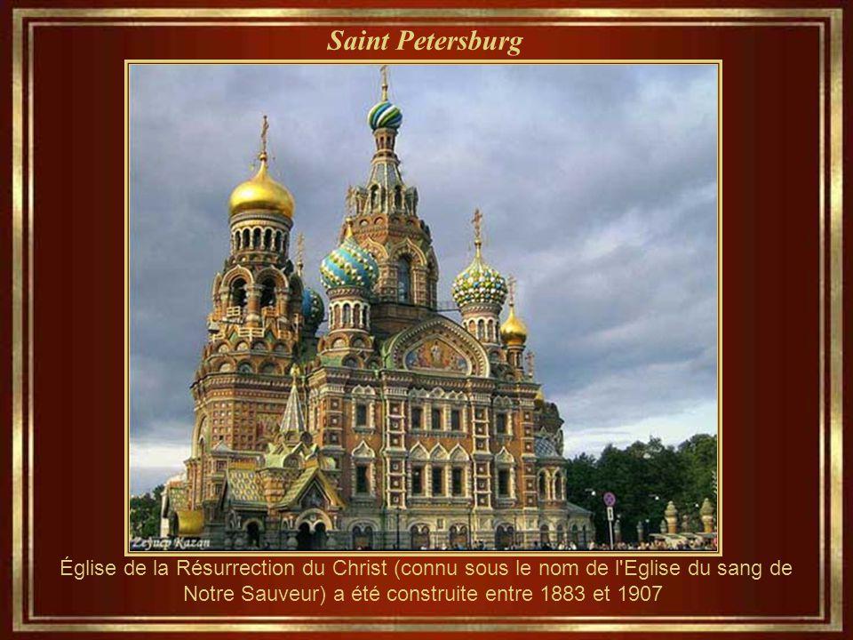 Saint Petersburg Église de la Résurrection du Christ (connu sous le nom de l Eglise du sang de Notre Sauveur) a été construite entre 1883 et 1907