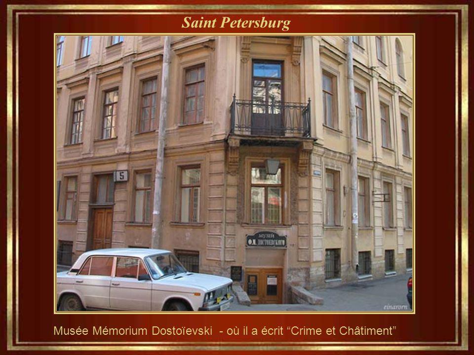 Saint Petersburg Musée Mémorium Dostoïevski - où il a écrit Crime et Châtiment