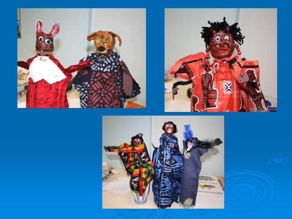 Les Grands ont étudié lartisanat africain;ils ont observé les tissus Bogolan et Senoufo pour créer leurs représentationsSenoufo Class 3 ( 5 to 6 years old) is having a djembé project and also studies the art of Africa, inspired by African clothing such as Bogolan and Senoufo.BogolanSenoufo Mai May