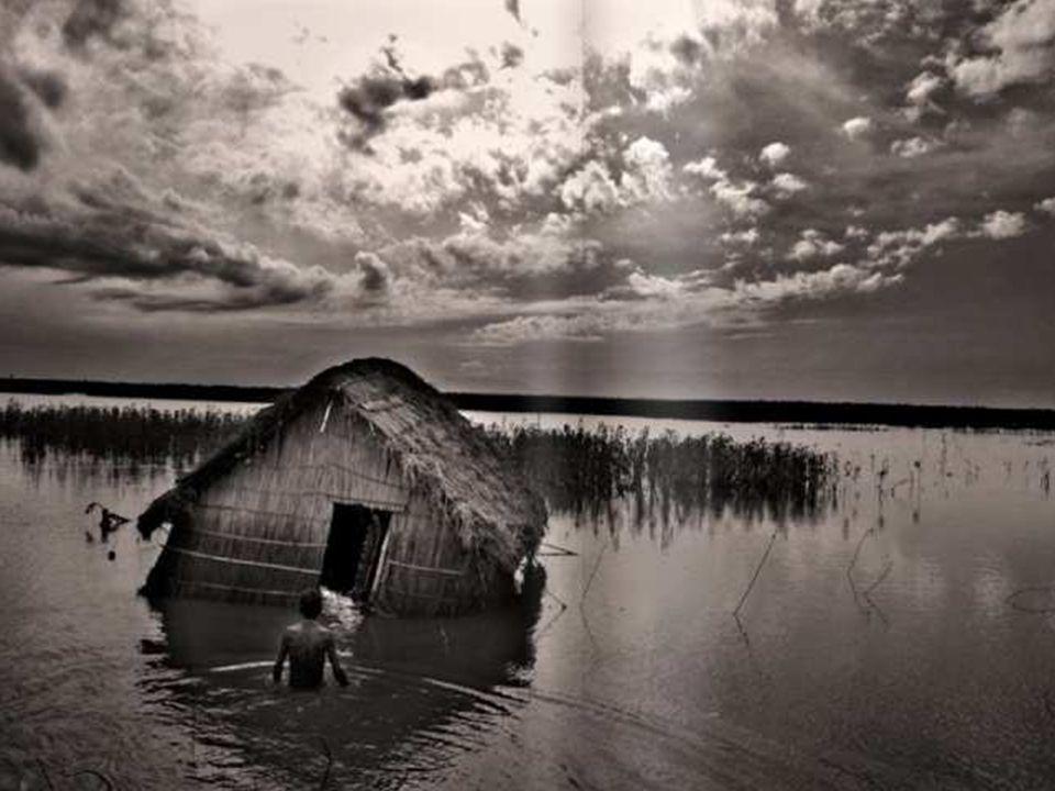 Déjà aujourd'hui, on peut voir les conséquences de la crise climatique, comme par exemple ici, des inondations au Bangladesh…