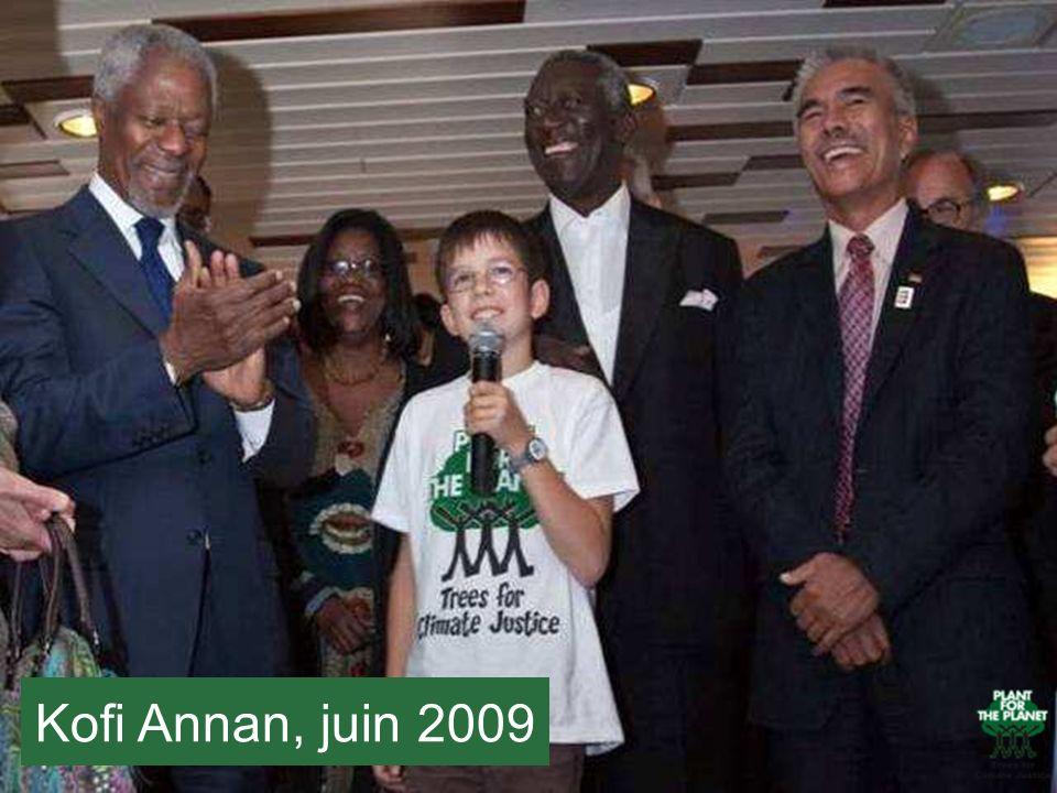 Ici vous voyez Felix avec Kofi Annan, qui se tient à sa droite