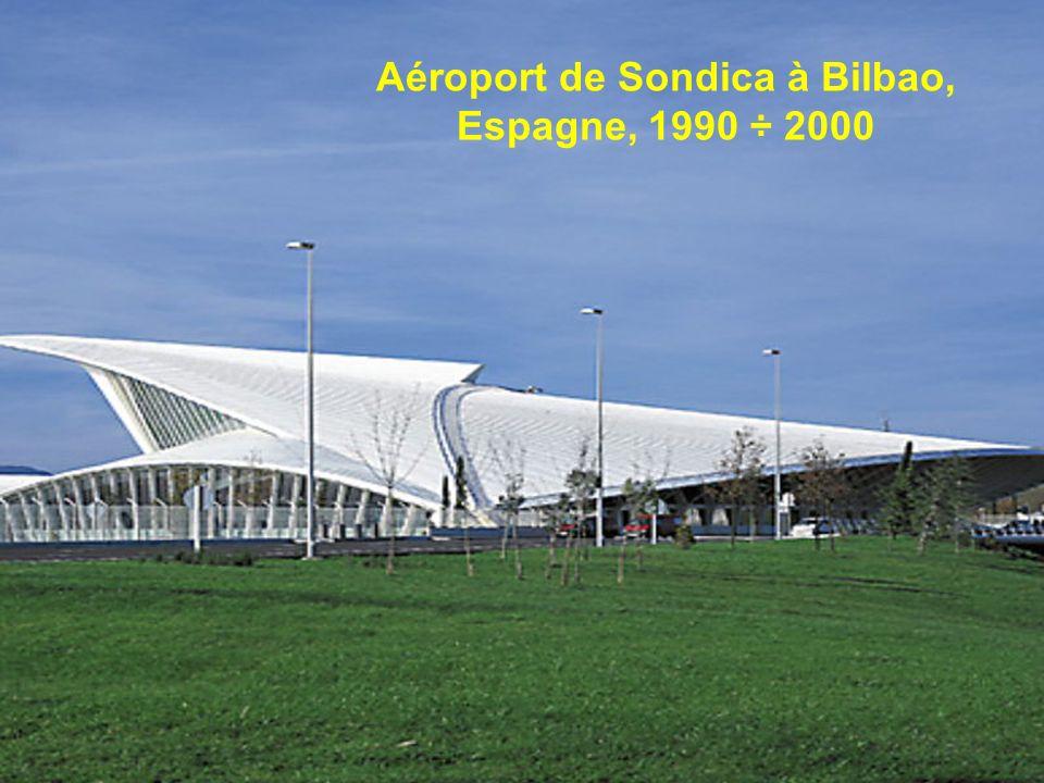 Aéroport de Sondica à Bilbao, Espagne, 1990 ÷ 2000