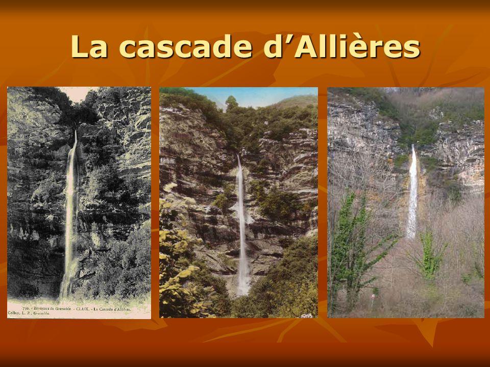 La cascade d'AllièresIl existe également une dizaine de cartes postales différentes de la cascade d'Allières… mais sans personnages.