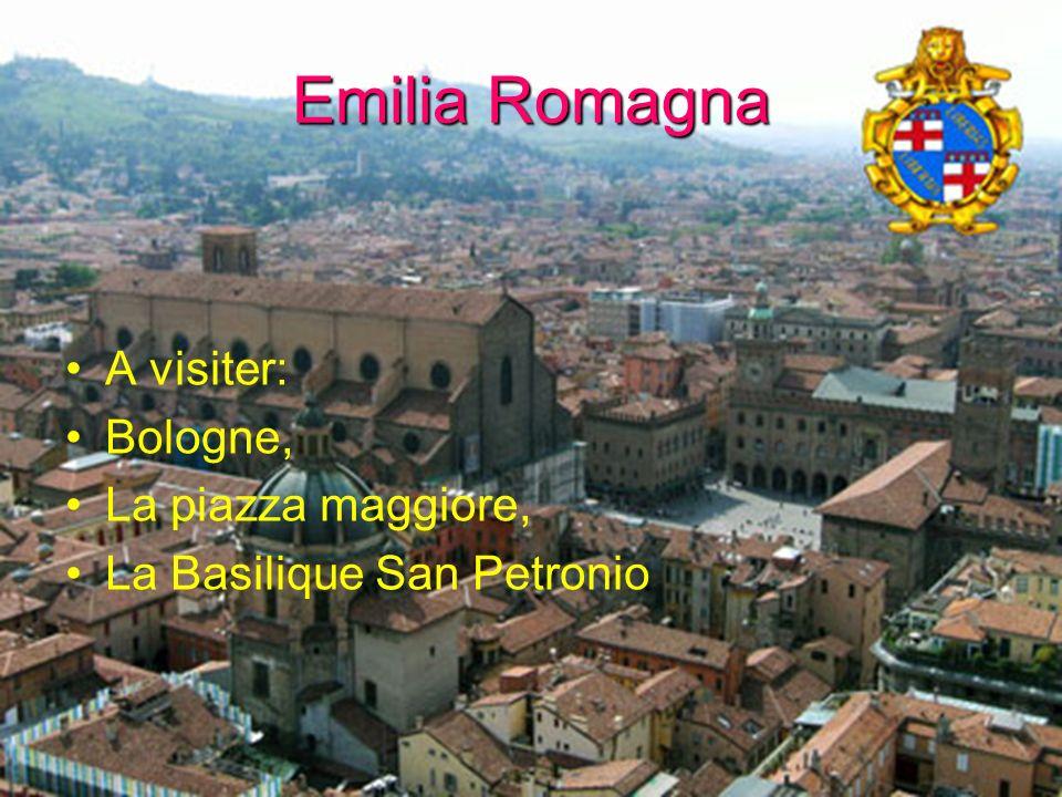 Emilia Romagna A visiter: Bologne, La piazza maggiore,