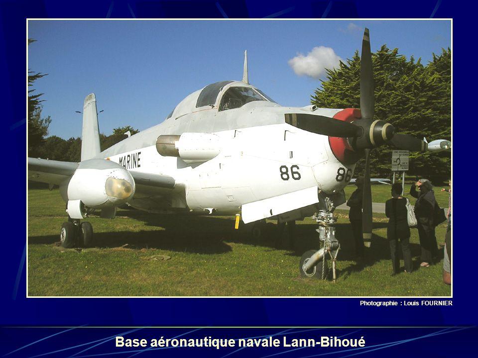 Photographie : Louis FOURNIER Base aéronautique navale Lann-Bihoué