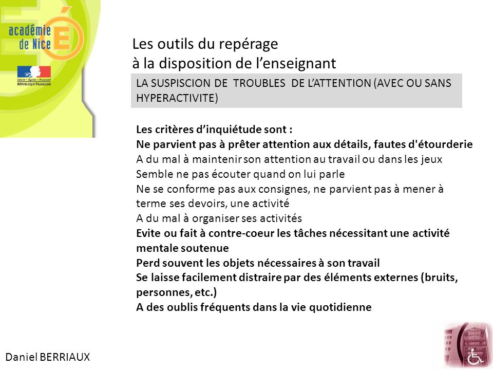 à la disposition de l'enseignant