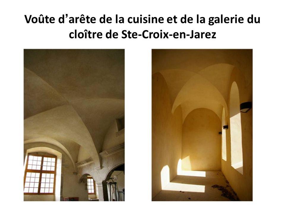 Voûte d'arête de la cuisine et de la galerie du cloître de Ste-Croix-en-Jarez