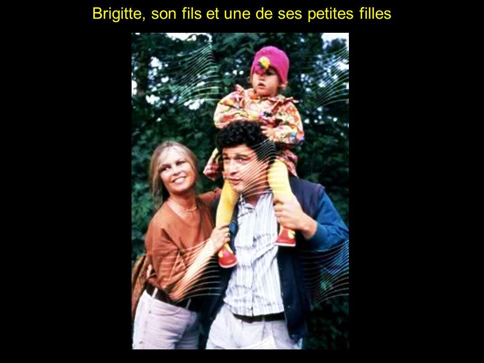 Brigitte, son fils et une de ses petites filles