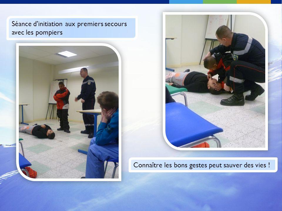 Séance d'initiation aux premiers secours avec les pompiers