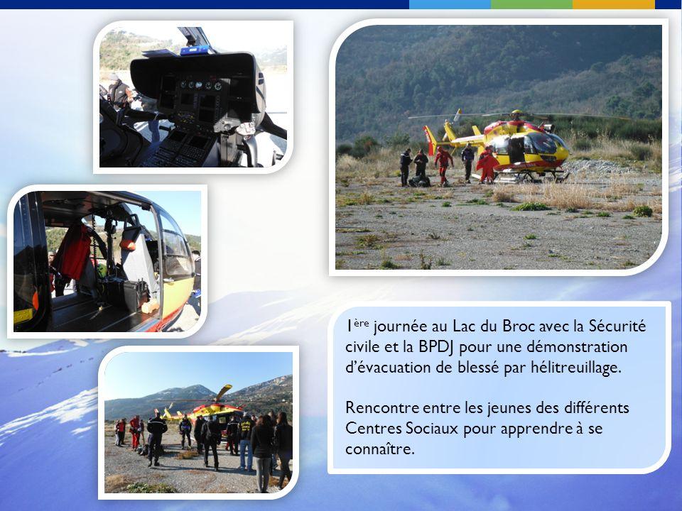 1ère journée au Lac du Broc avec la Sécurité civile et la BPDJ pour une démonstration d'évacuation de blessé par hélitreuillage.