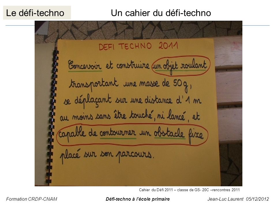 Un cahier du défi-techno