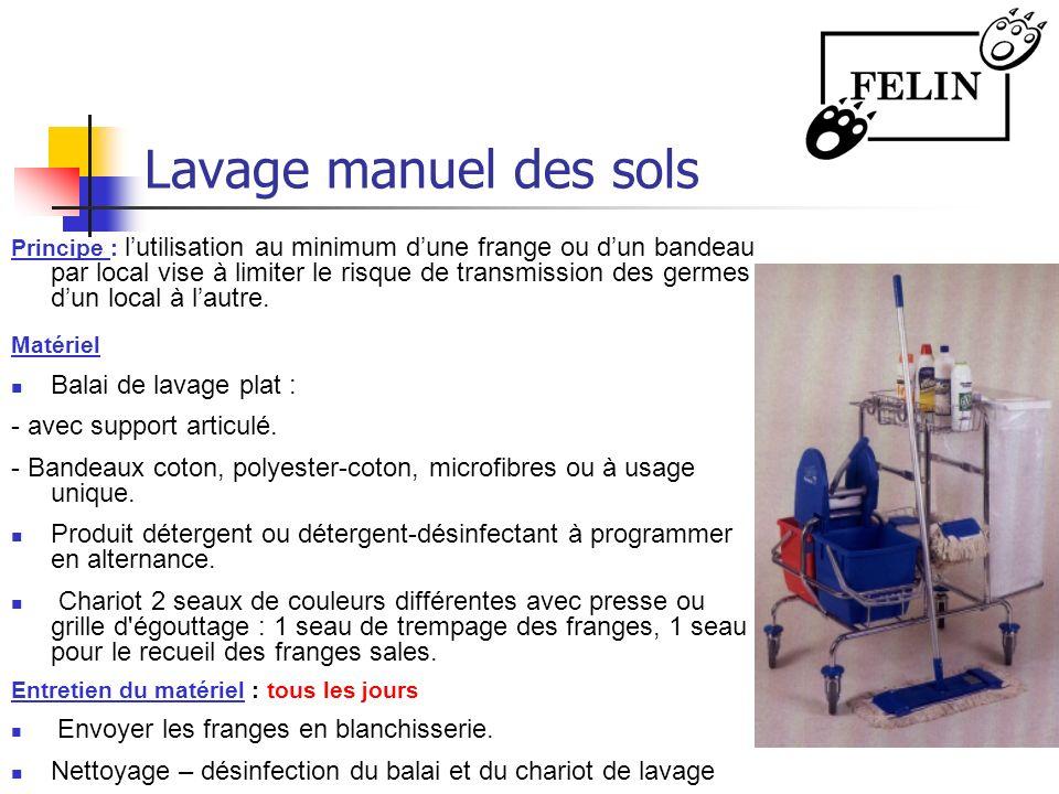 Lavage manuel des sols Balai de lavage plat : - avec support articulé.