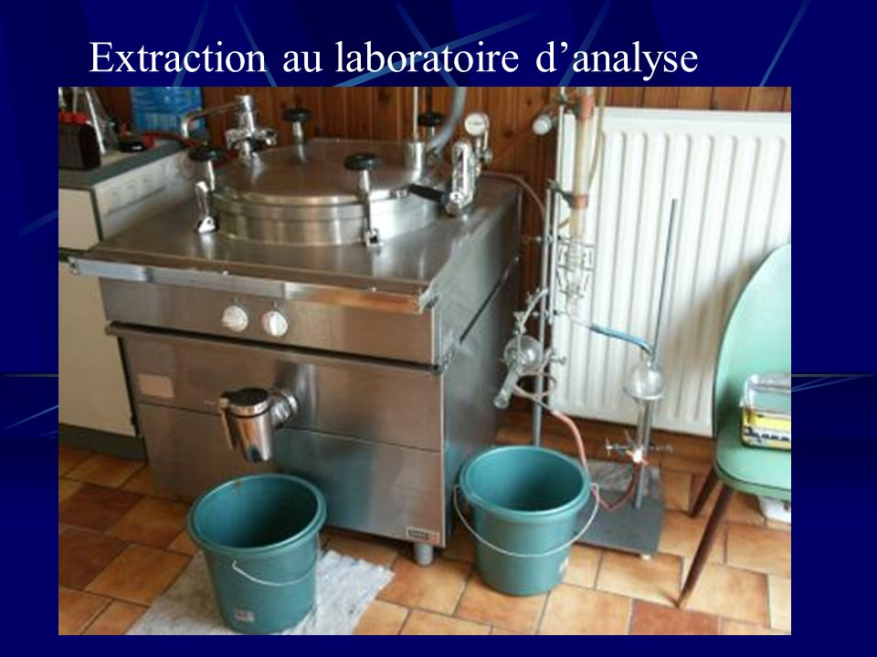Extraction au laboratoire d'analyse