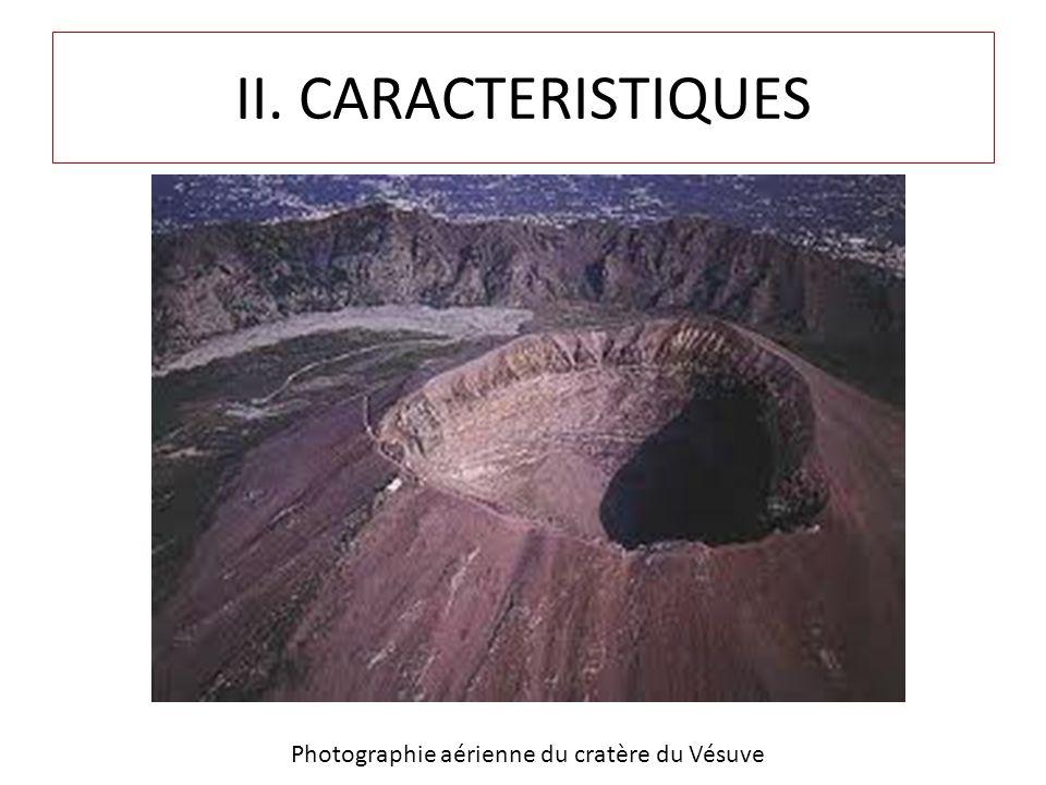 Photographie aérienne du cratère du Vésuve