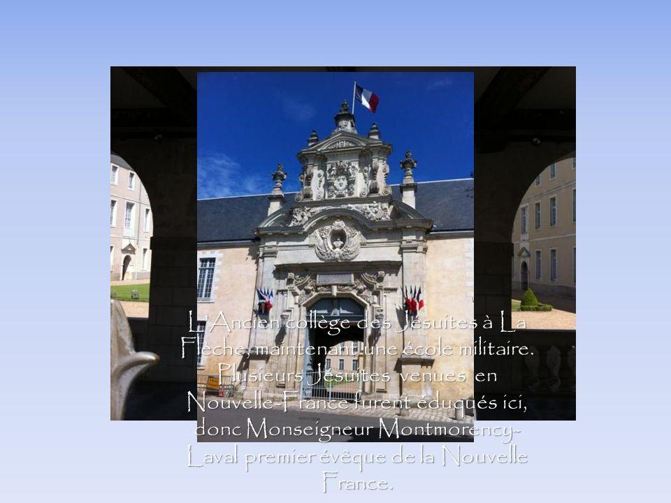 L'Ancien collège des Jésuites à La Flèche, maintenant une école militaire.