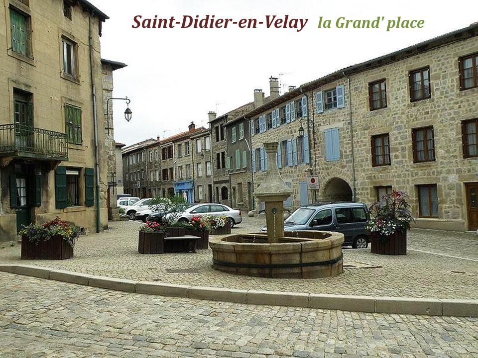 Saint-Didier-en-Velay la Grand place