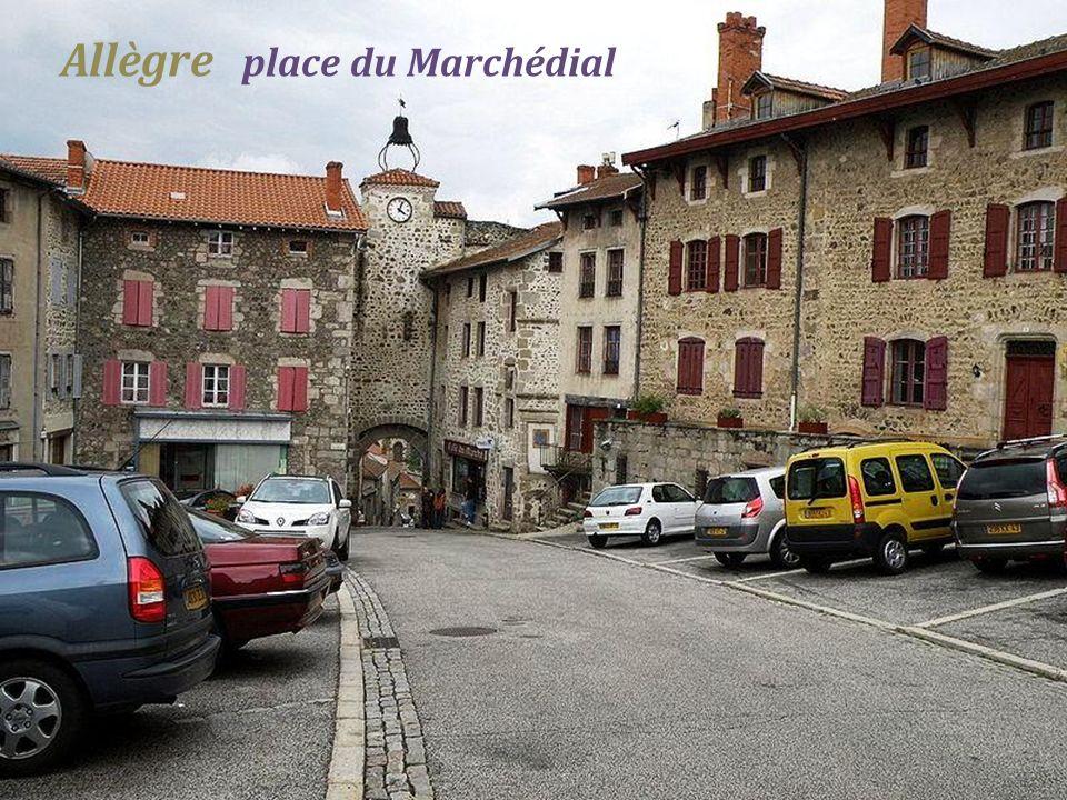 Allègre place du Marchédial