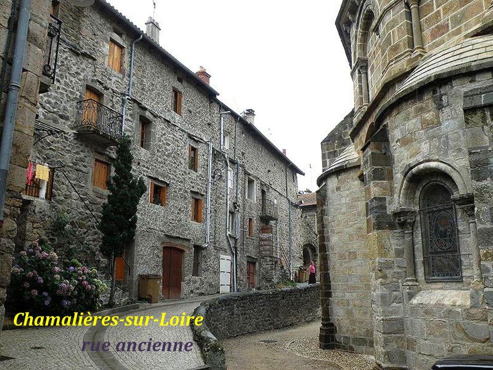 Chamalières-sur-Loire . rue ancienne