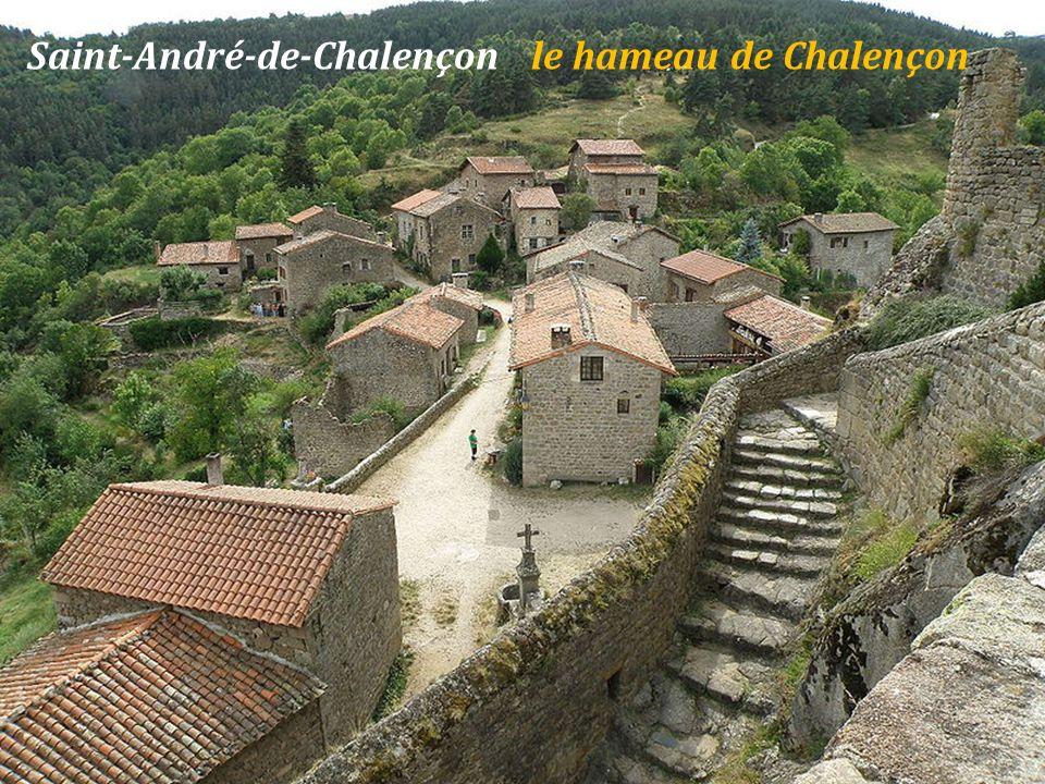 Saint-André-de-Chalençon le hameau de Chalençon