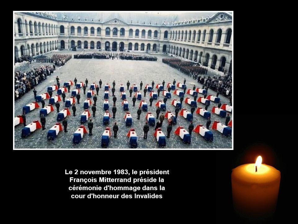 Le 2 novembre 1983, le président François Mitterrand préside la cérémonie d hommage dans la cour d honneur des Invalides