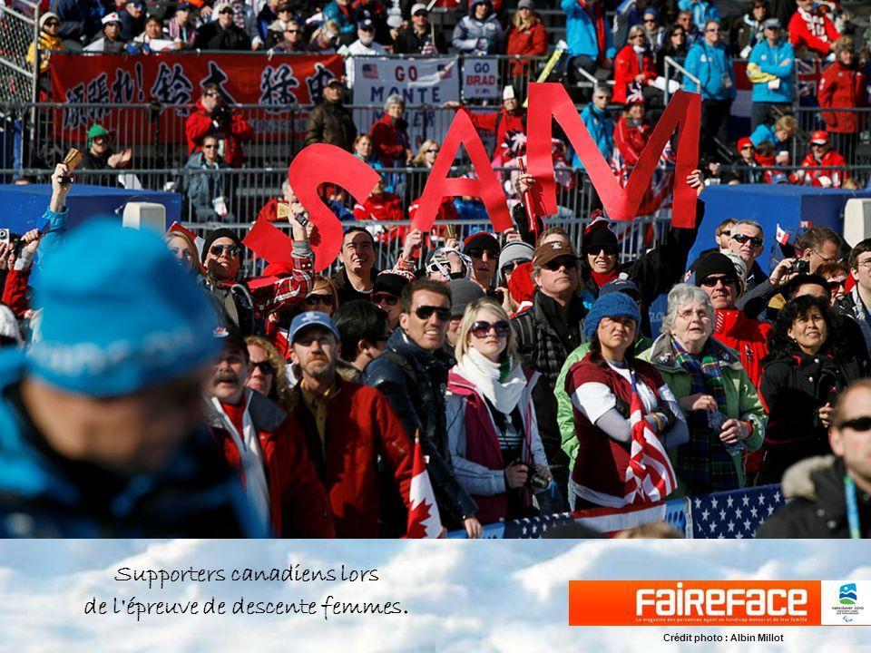 Supporters canadiens lors de l épreuve de descente femmes.