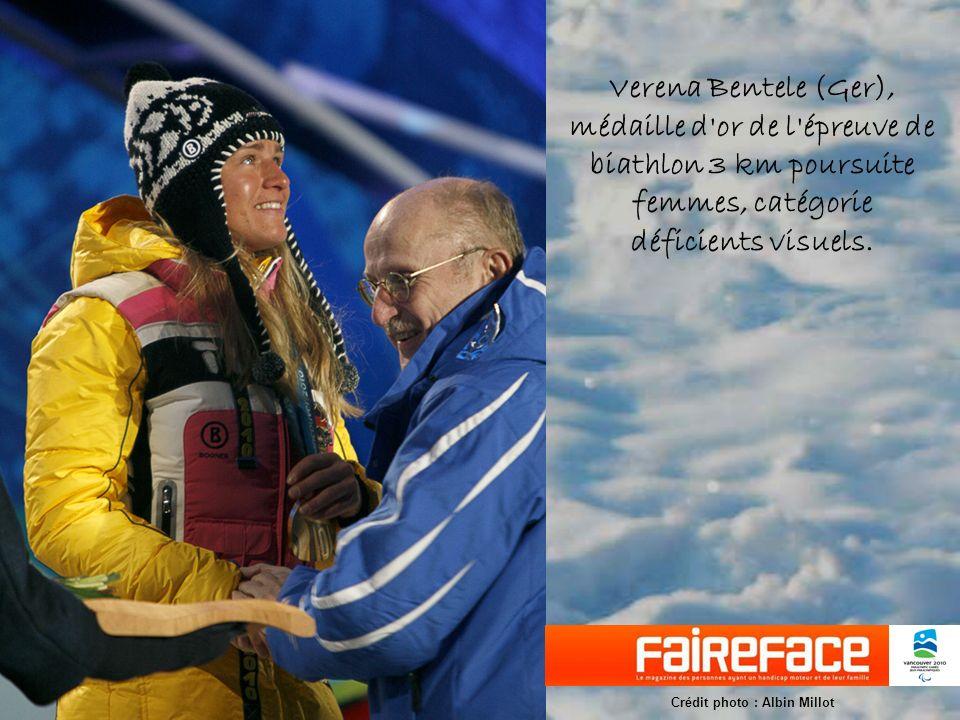 Verena Bentele (Ger), médaille d or de l épreuve de biathlon 3 km poursuite femmes, catégorie déficients visuels.
