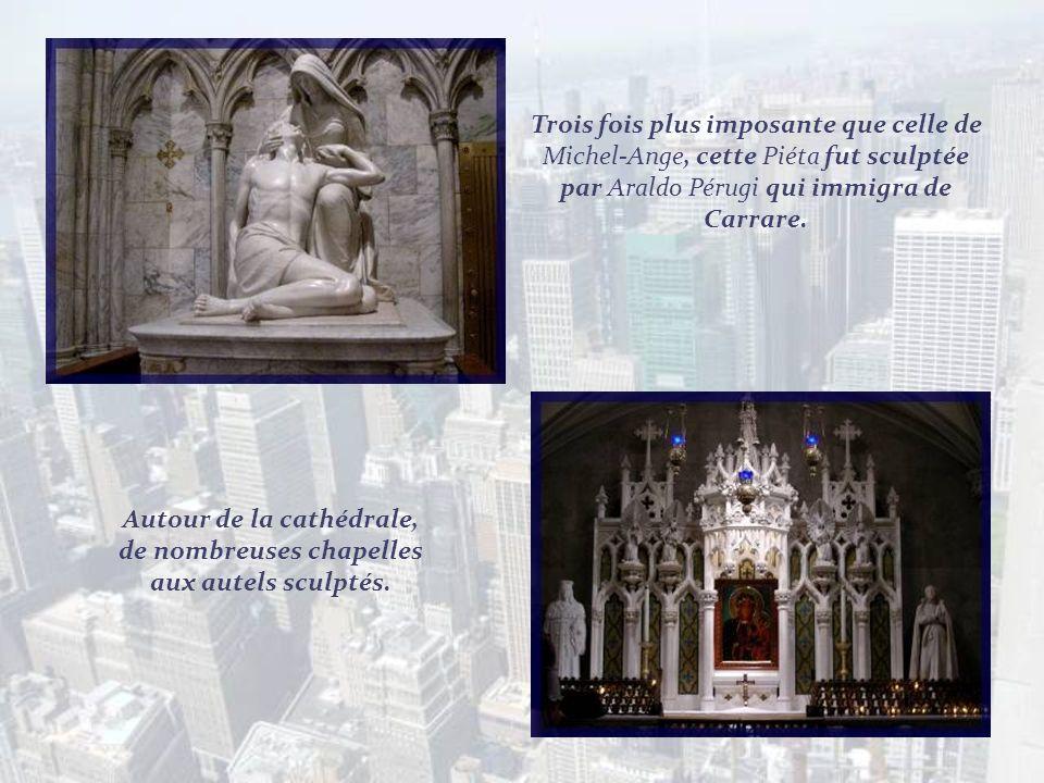 Autour de la cathédrale, de nombreuses chapelles aux autels sculptés.