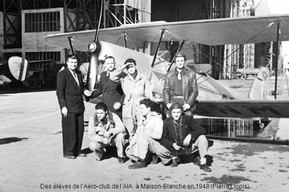 Des élèves de l'Aéro-club de l'AIA à Maison-Blanche en 1948 (Pierre Llopis)