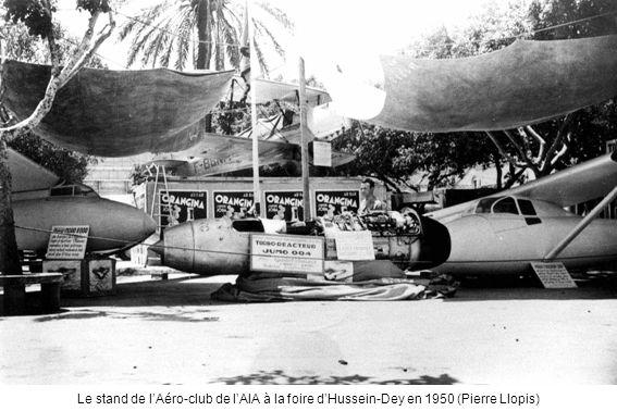 Le stand de l'Aéro-club de l'AIA à la foire d'Hussein-Dey en 1950 (Pierre Llopis)
