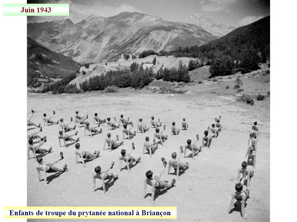 Enfants de troupe du prytanée national à Briançon