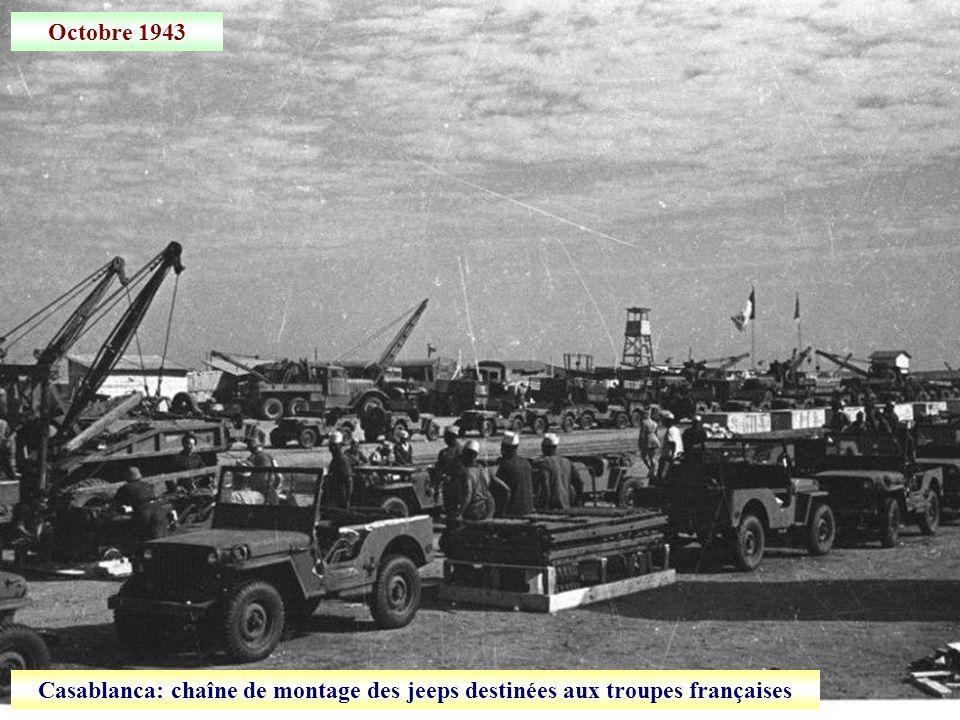 Octobre 1943 Casablanca: chaîne de montage des jeeps destinées aux troupes françaises