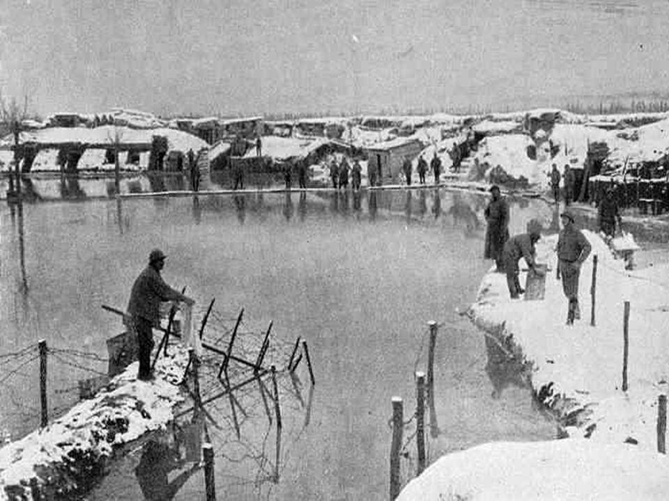 L armée belge doit mettre en place une logistique à l arrière du front (voies de communications, cantonnements, structures d accueil pour les blessés et déplacés, etc.) afin de contenir les tirs nourris, les bombardements et assauts continuels des troupes allemandes, allant jusqu à inonder les secteurs sur le point de tomber pour conserver l avantage, à Riegersvliet et Oud-Stuyvekenskerke, entre les 6 et 18 mars 1918.