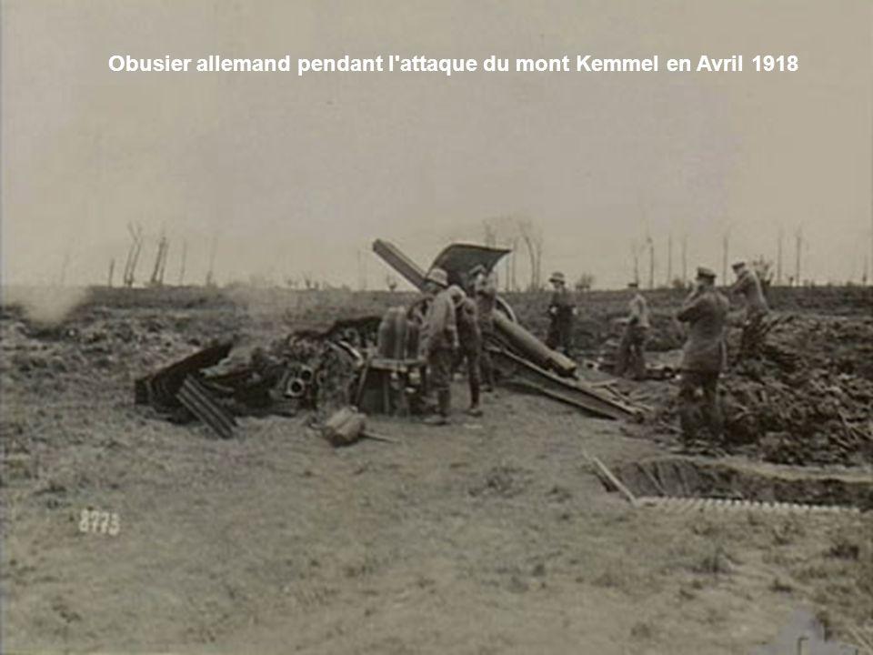 Obusier allemand pendant l attaque du mont Kemmel en Avril 1918