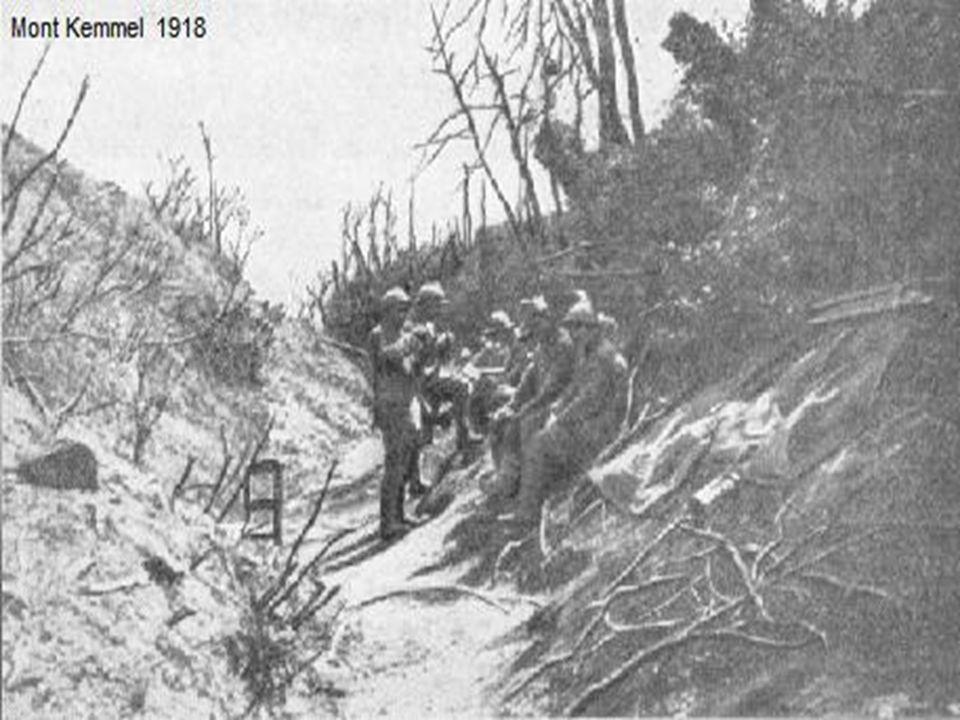 Le 30 septembre, et dans les premiers jours d octobre, avec le soutien de l armée française, Sa Majesté le Roi des Belges attaque la ligne entre Zarren et Hooglede-Roulers, contraignant les armées allemandes à reculer sur 14 km.