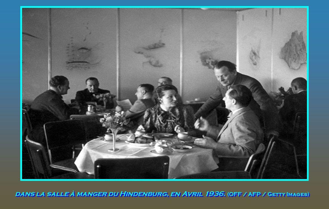 dans la salle à manger du Hindenburg, en Avril 1936
