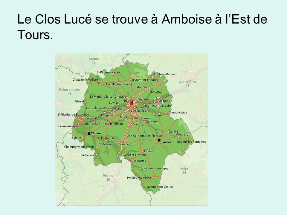 Le Clos Lucé se trouve à Amboise à l'Est de Tours.