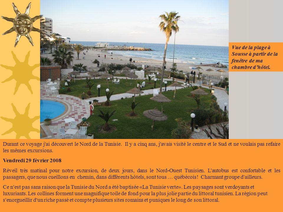 Vue de la plage à Sousse à partir de la fenêtre de ma chambre d'hôtel.