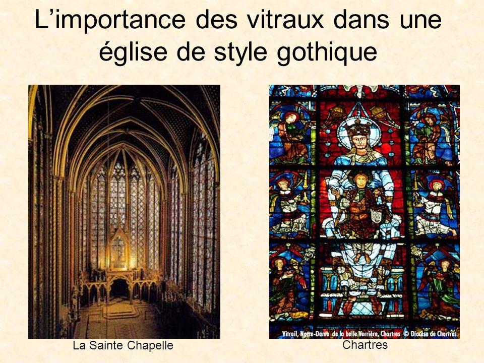 L'importance des vitraux dans une église de style gothique