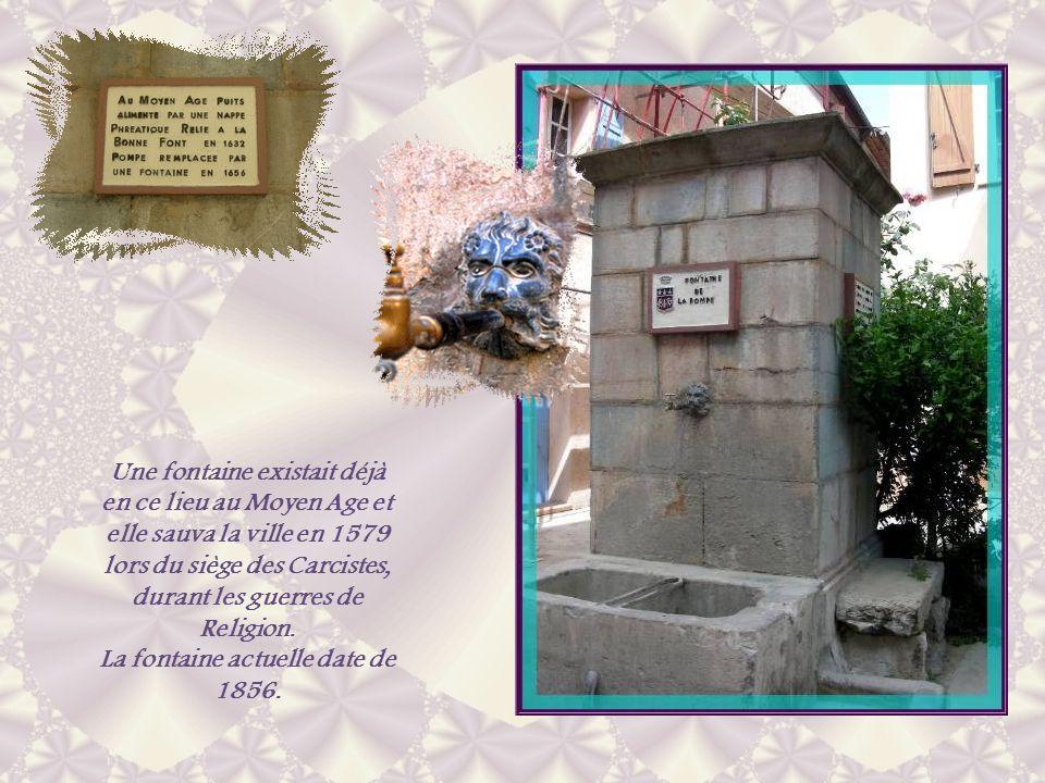 La fontaine actuelle date de 1856.