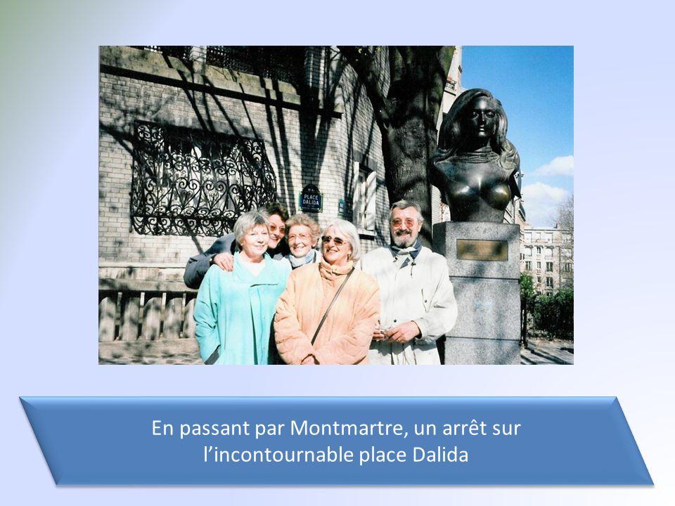 En passant par Montmartre, un arrêt sur l'incontournable place Dalida