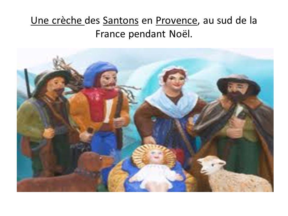 Une crèche des Santons en Provence, au sud de la France pendant Noël.
