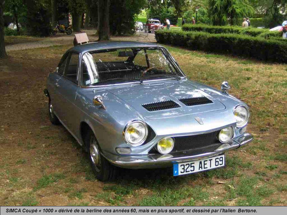 SIMCA Coupé « 1000 » dérivé de la berline des années 60, mais en plus sportif, et dessiné par l'Italien Bertone.