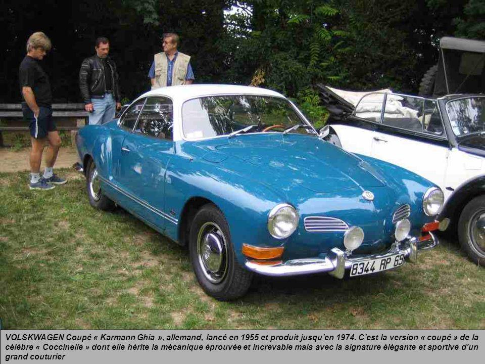 VOLSKWAGEN Coupé « Karmann Ghia », allemand, lancé en 1955 et produit jusqu'en 1974.