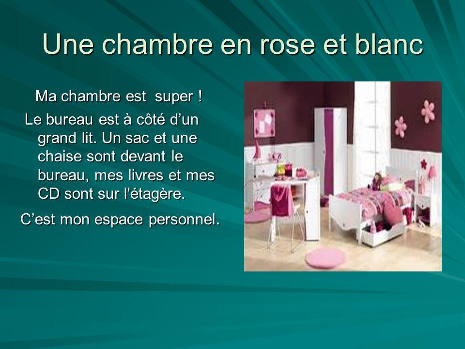 Une chambre en rose et blanc