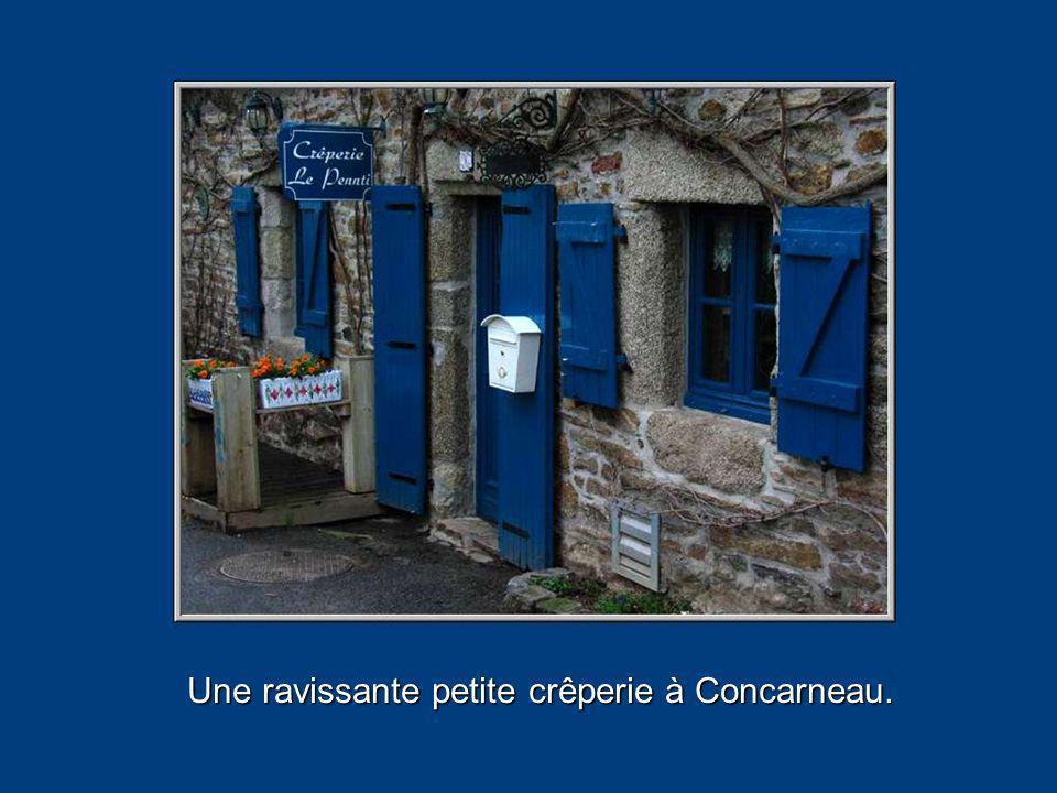 Une ravissante petite crêperie à Concarneau.