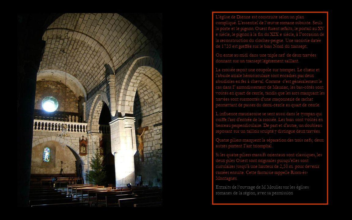 L église de Dienne est construite selon un plan compliqué