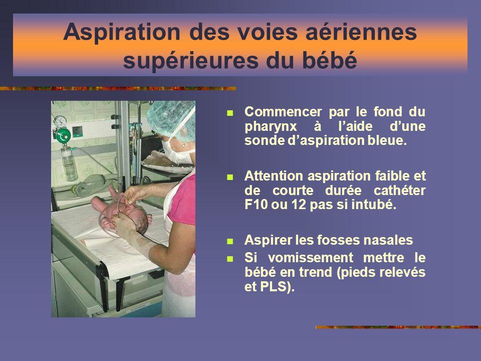 Aspiration des voies aériennes supérieures du bébé